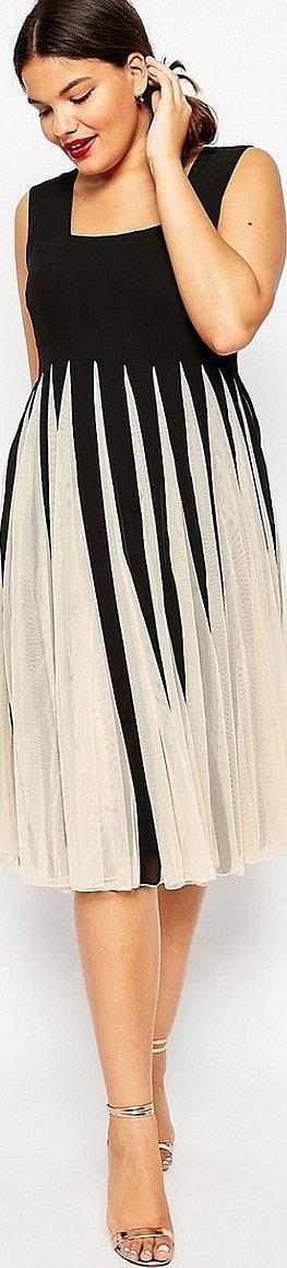 Платья с плиссированной сеткой сверху