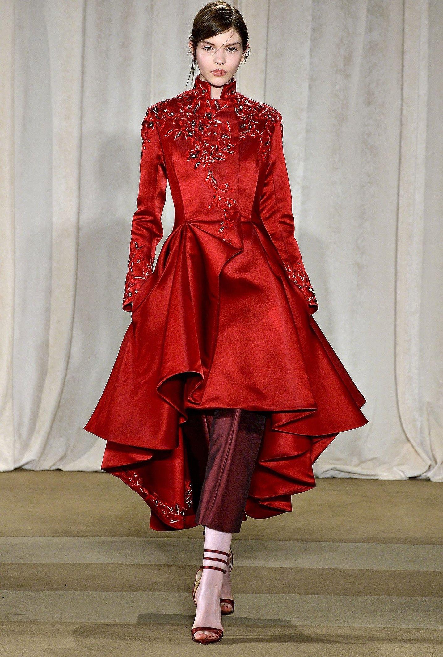 Высокая мода красная одежда