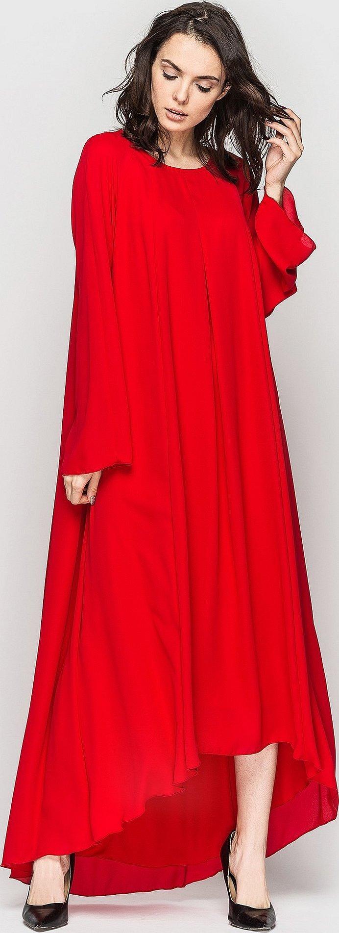 Красное длинное платье с длинным рукавом