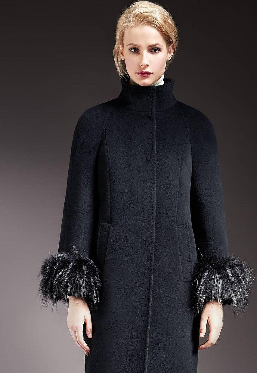 Зимнее пальто с воротником стойкой