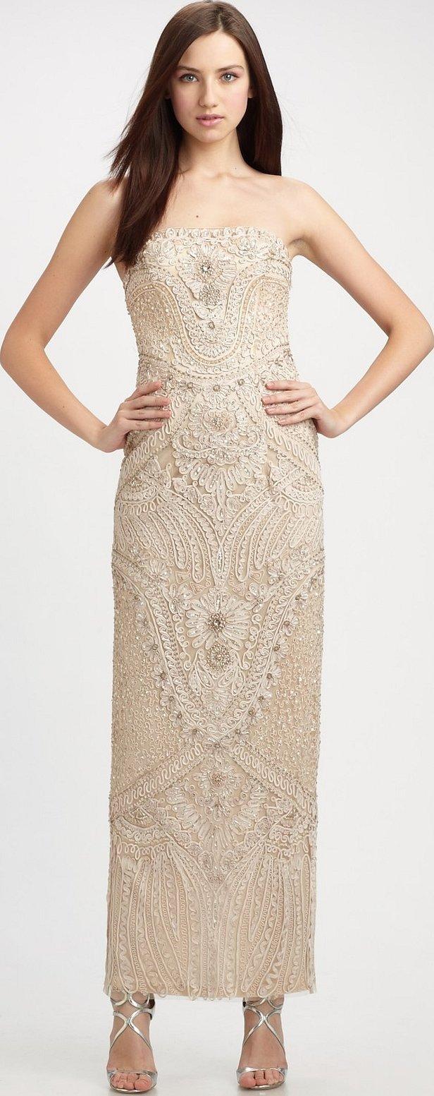Золотое кружевное вечернее платье