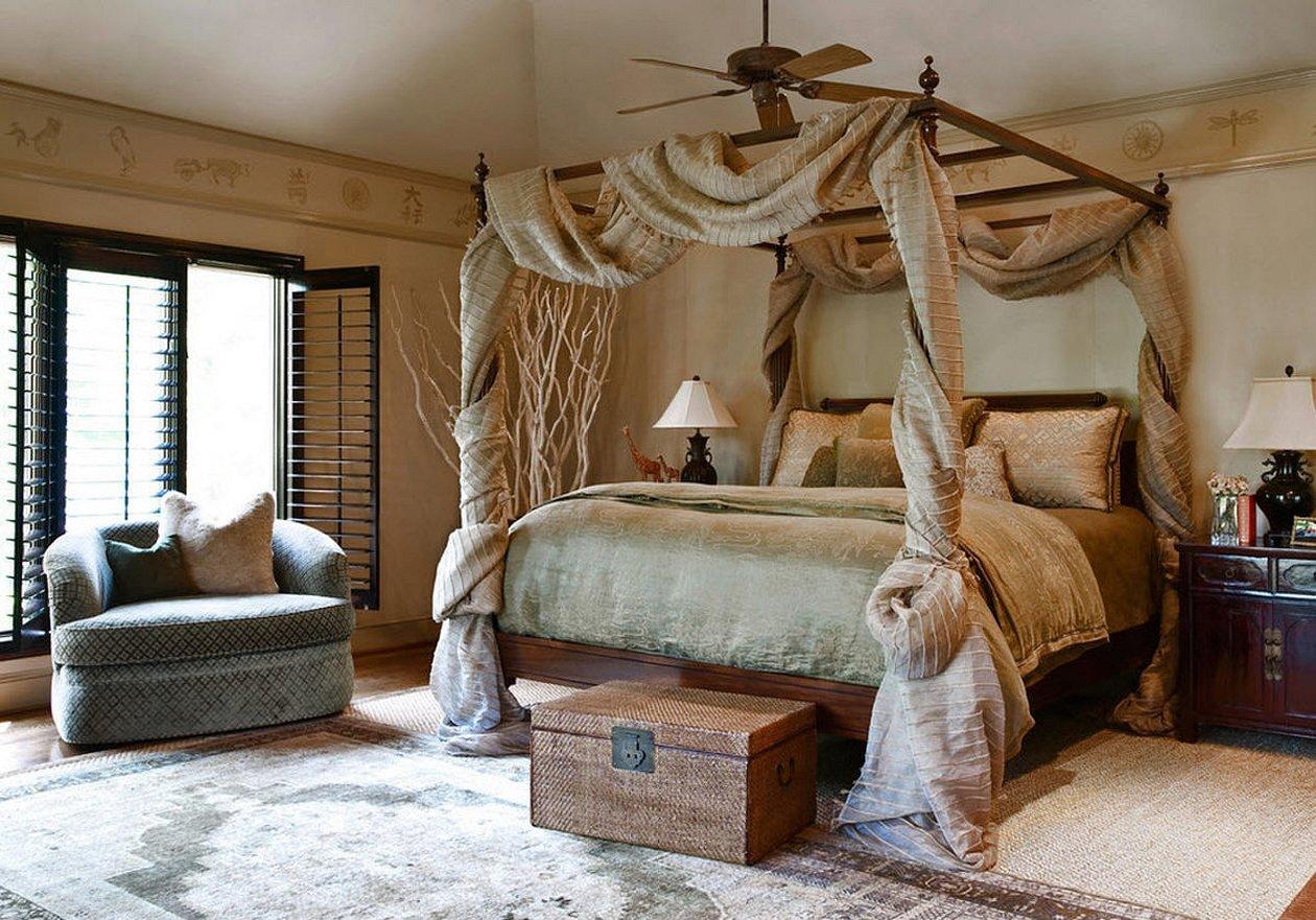 Кровать с балдахином в стиле шале