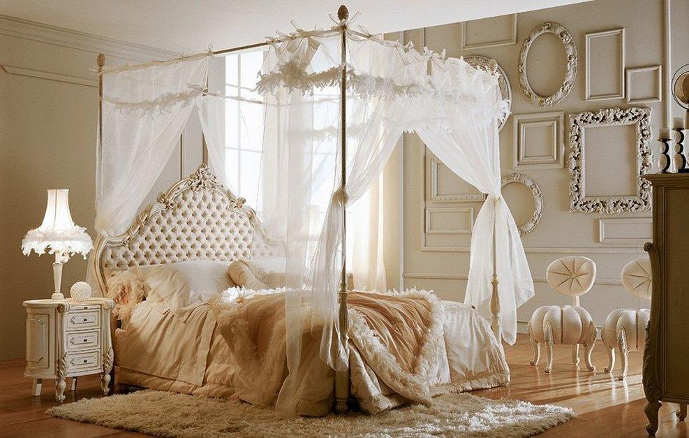 Спальни с балдахинами в итальянском стиле