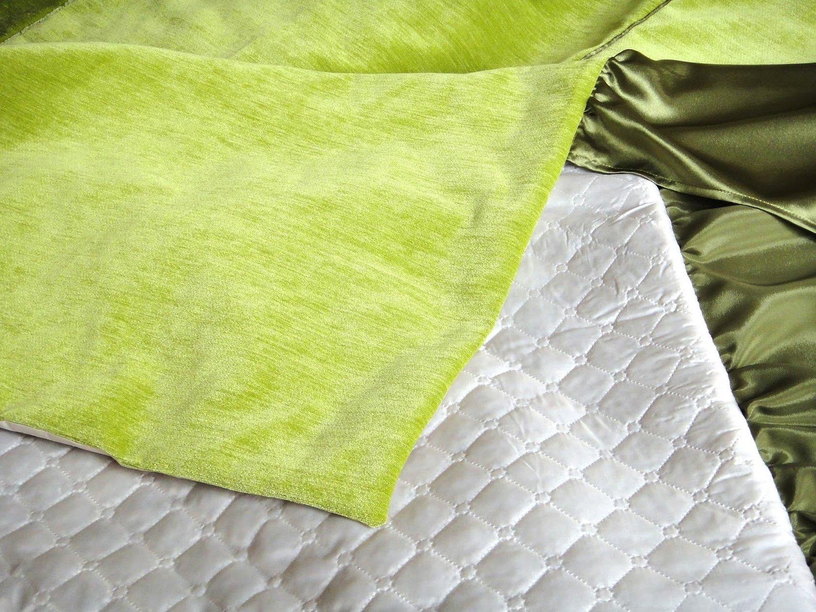 Стеганый плед на кровать салатовый