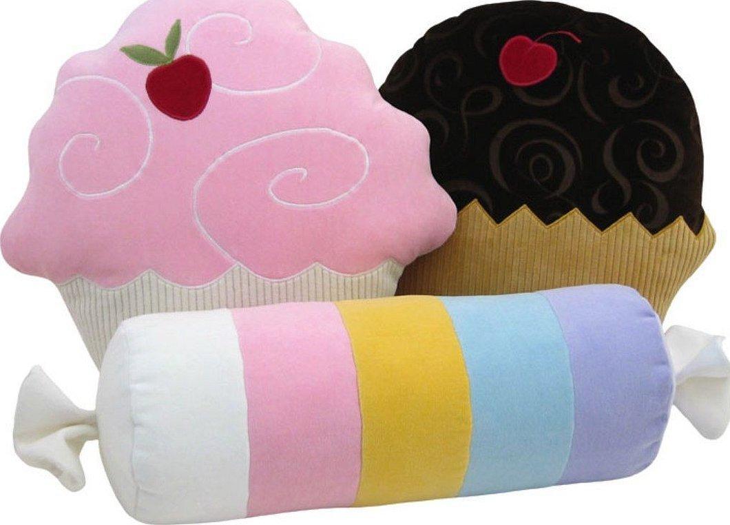 Подушка в виде пирожного