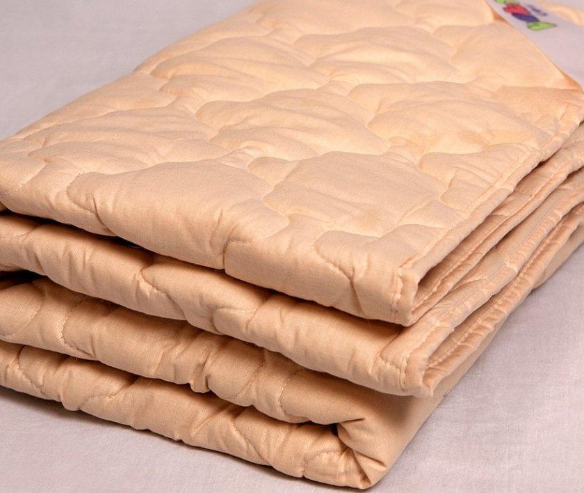 Одеяло из верблюжьей шерсти в упаковке