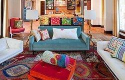 Яркий ковер в интерьере: простые советы по внедрению яркого ковра в любую комнату дома