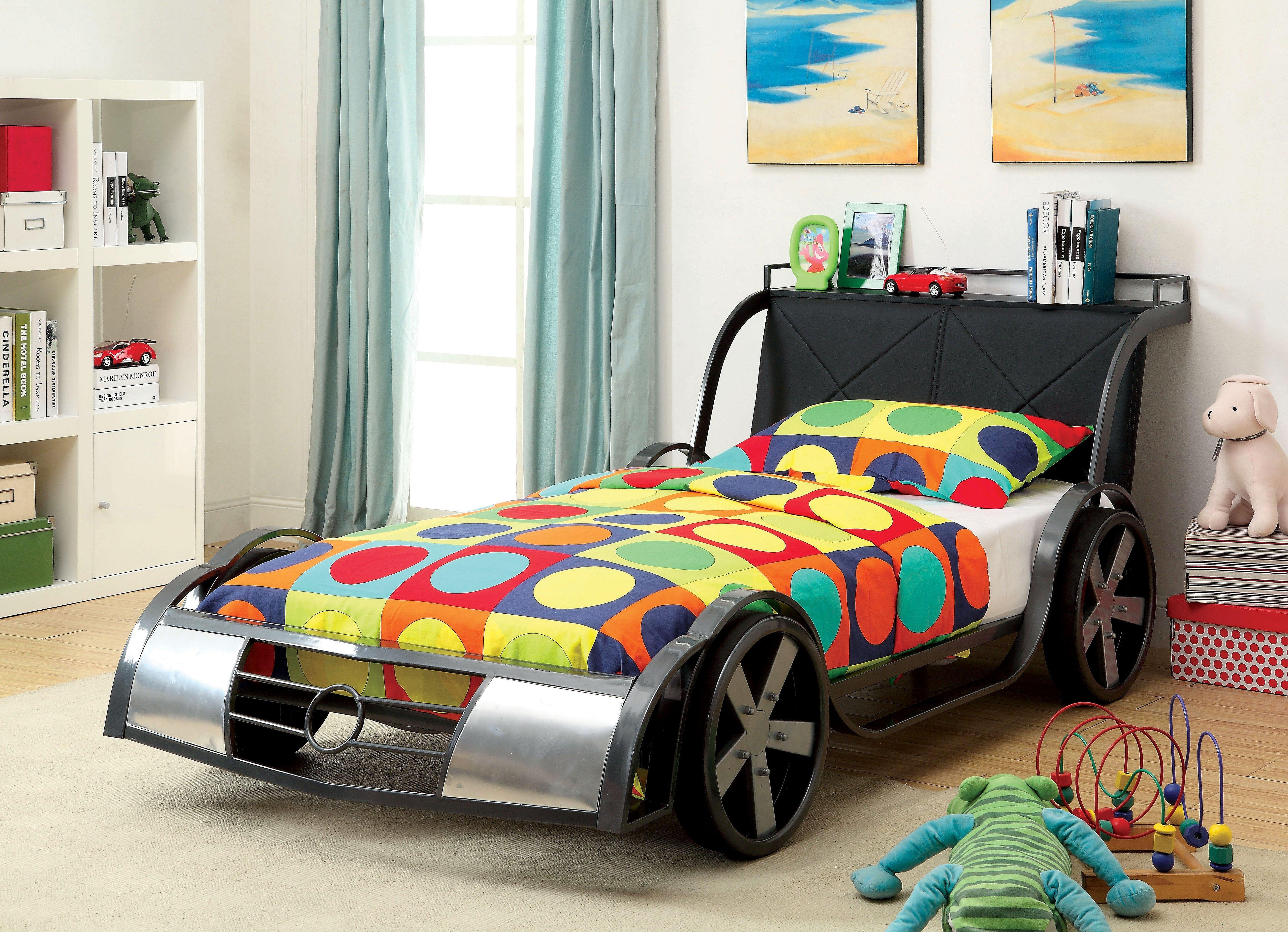Детская кровать машинка в интерьере