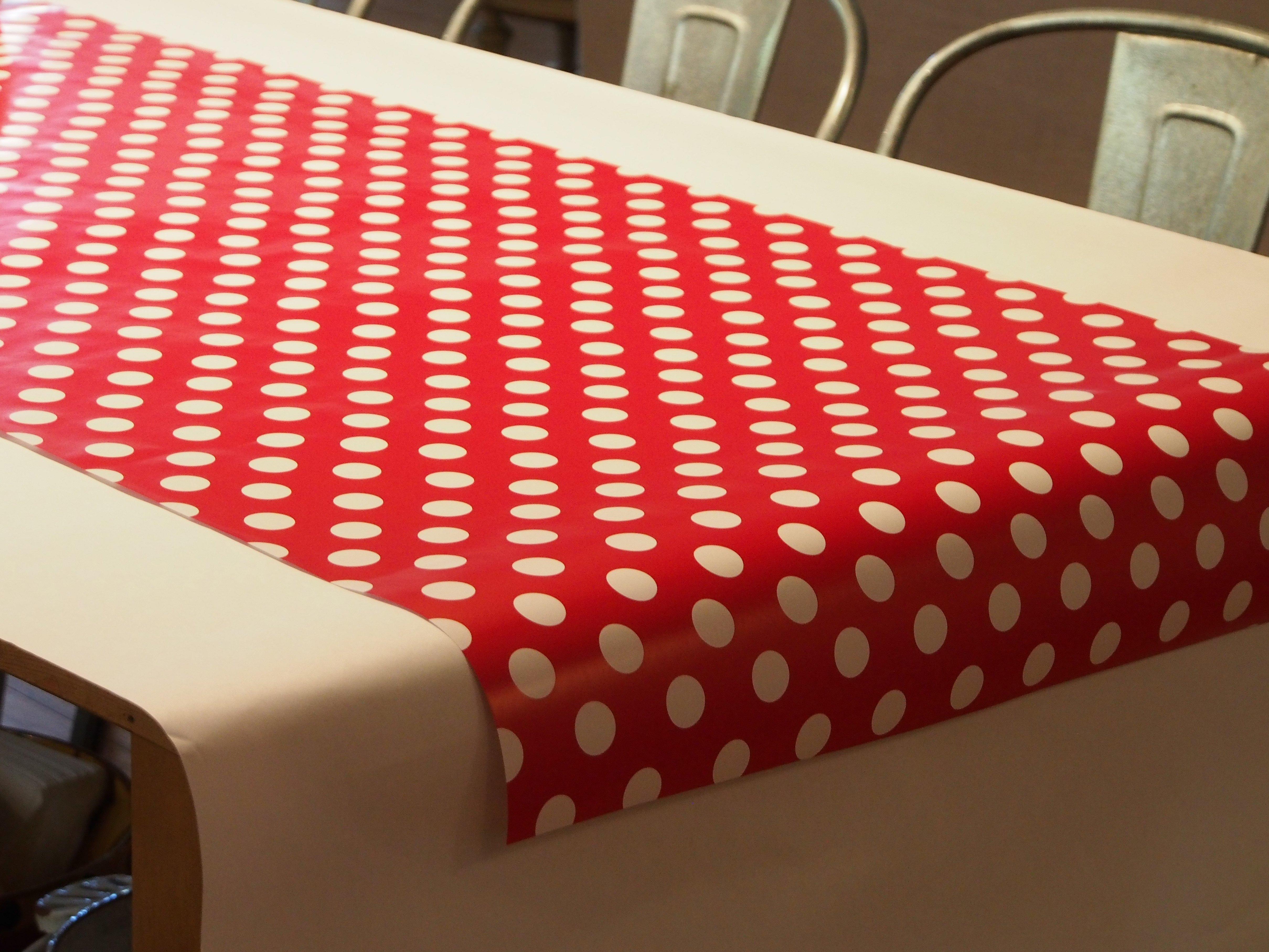 Скатерть бумажная на стол на кухню