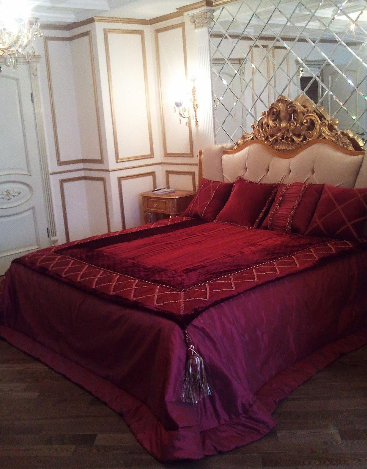 Покрывало на кровать цвета бордо