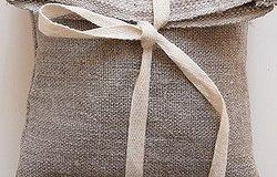 Постельное белье и покрывало в подарок: можно ли дарить?