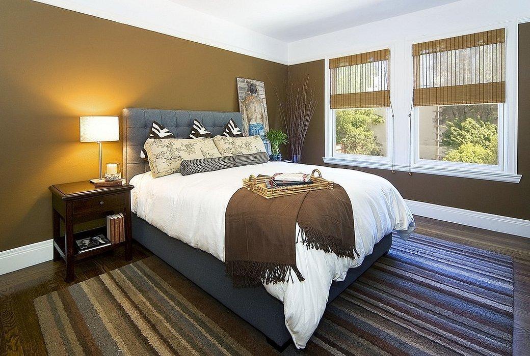 Высокая кровать в интерьере