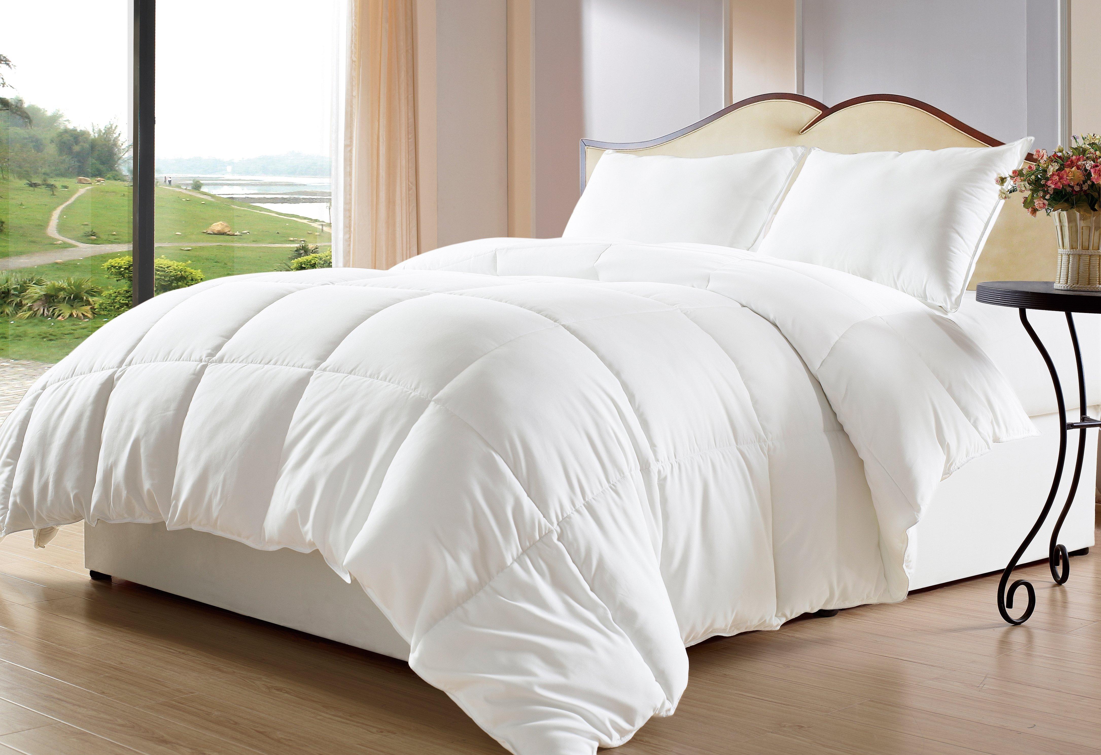 Белая постелы для одеяло