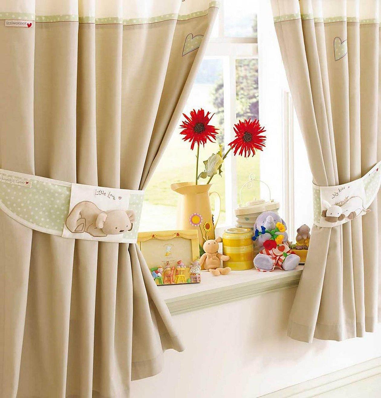 Короткие шторы в детскую