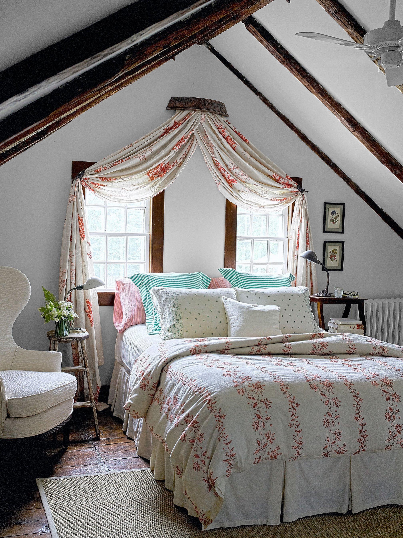 Интерьер спальни на мансарде в стиле прованс