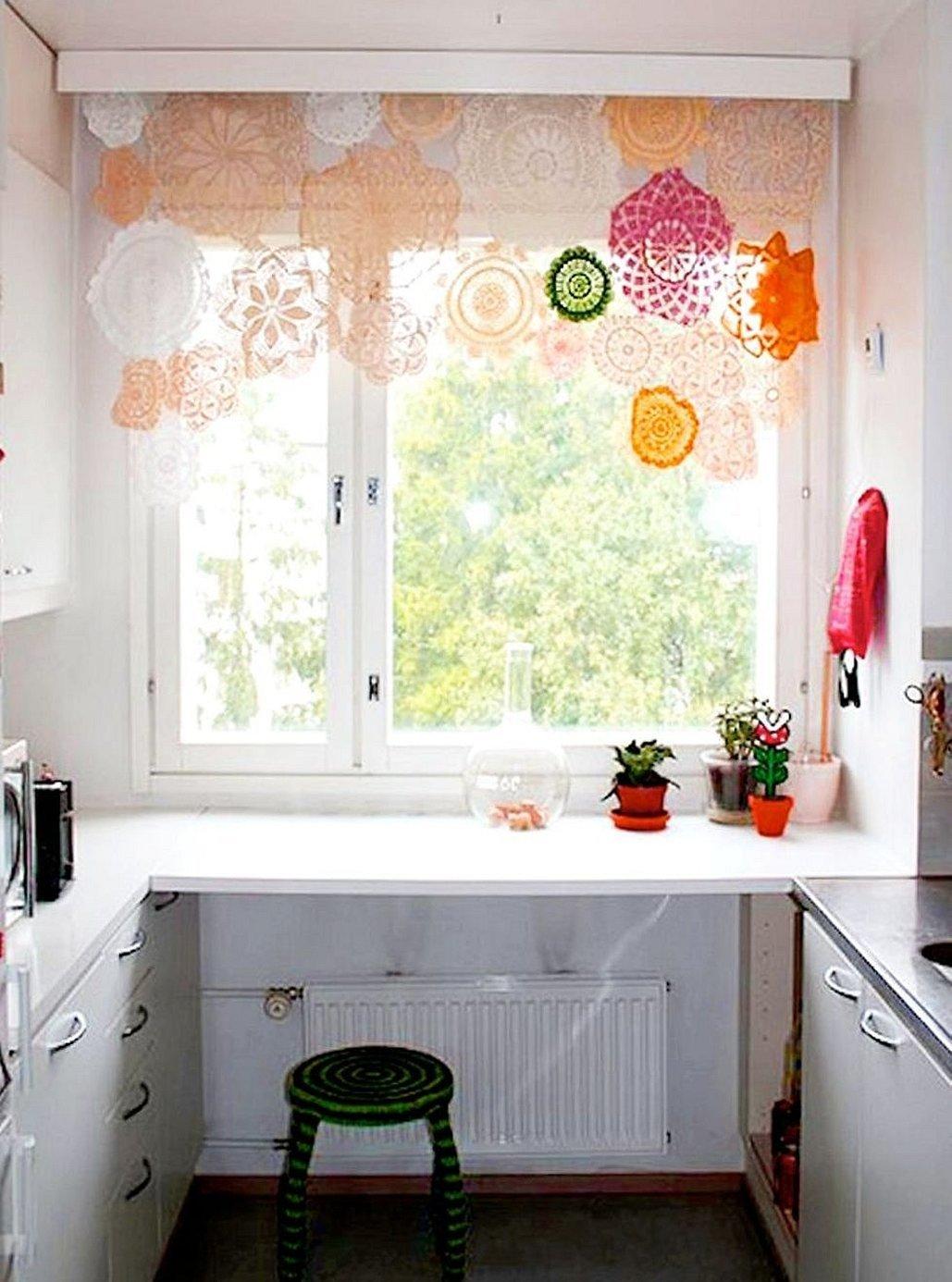 Короткие занавески на кухню
