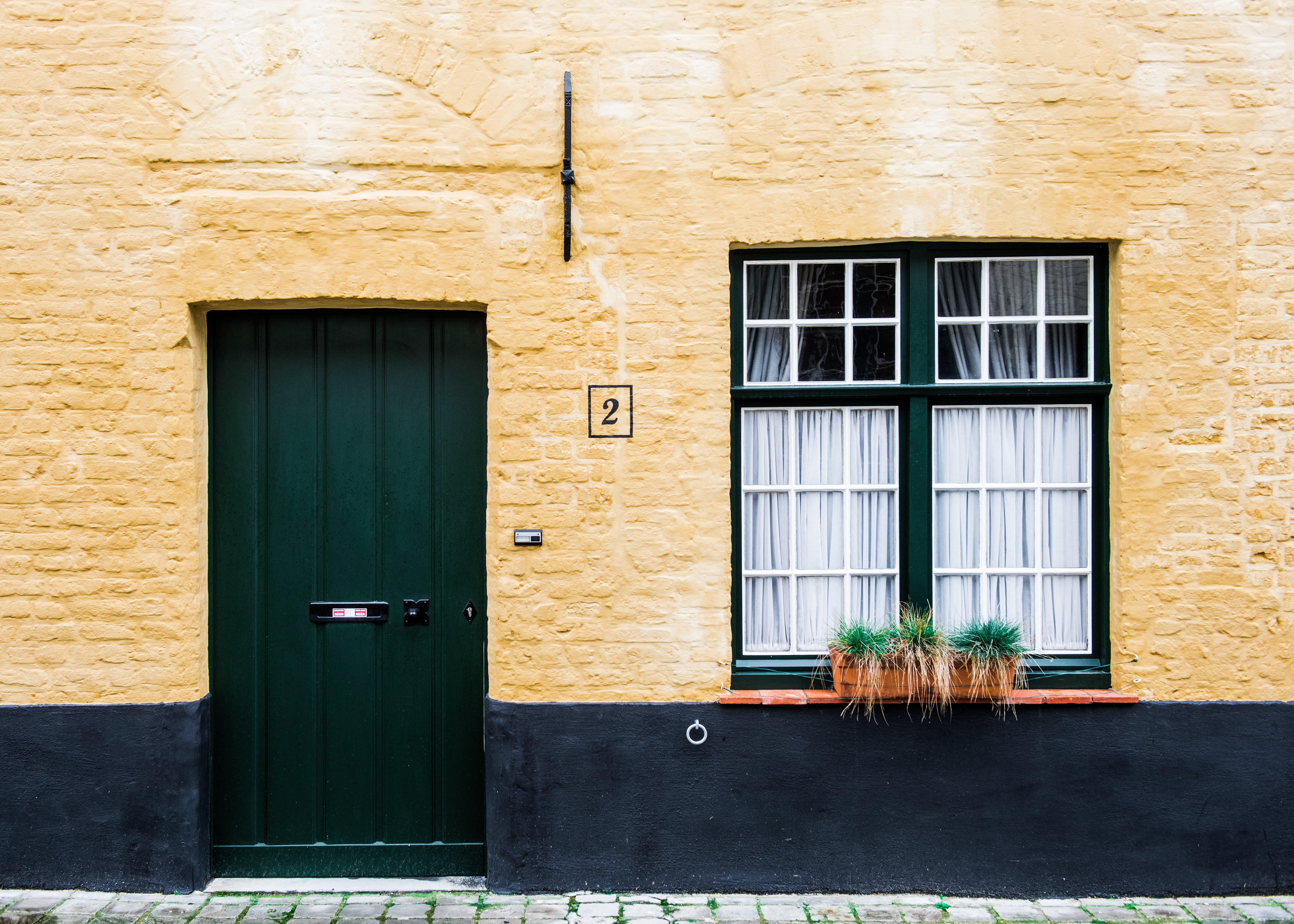 Фон дверь в дом