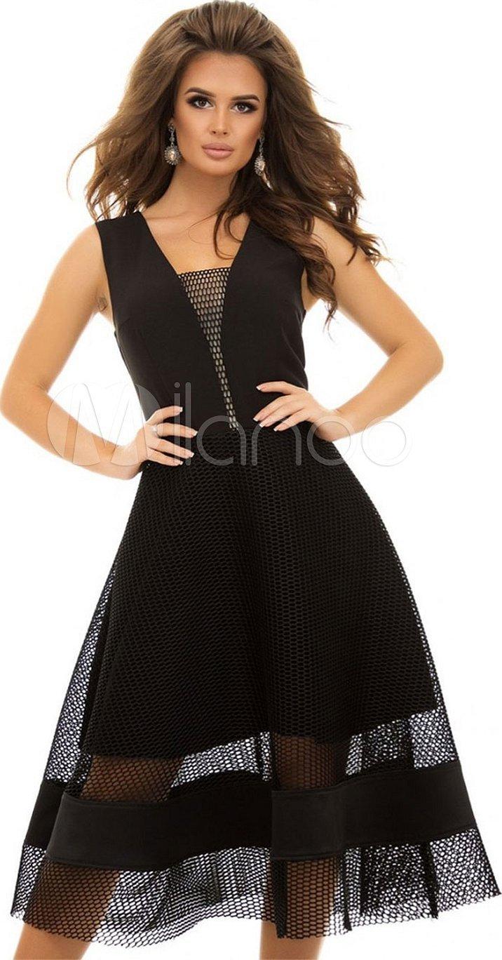 Черное платье с черной сеткой