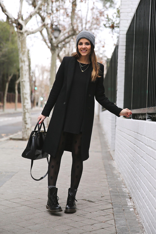 Образ высокие ботинки и пальто