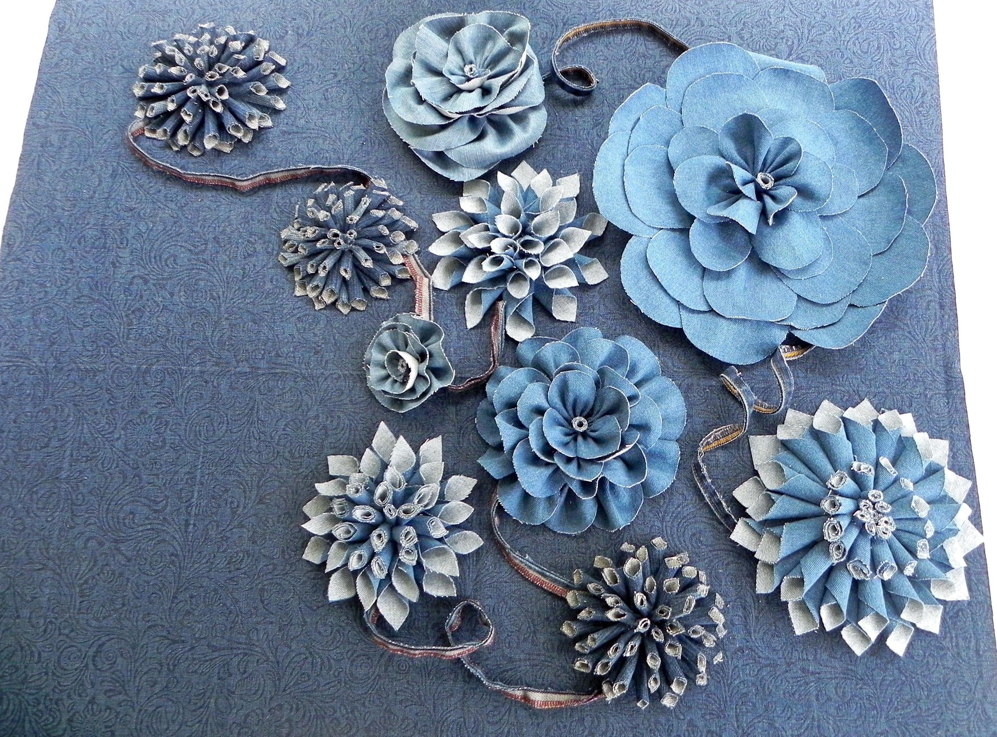 Цветы из джинсовой ткани плоские