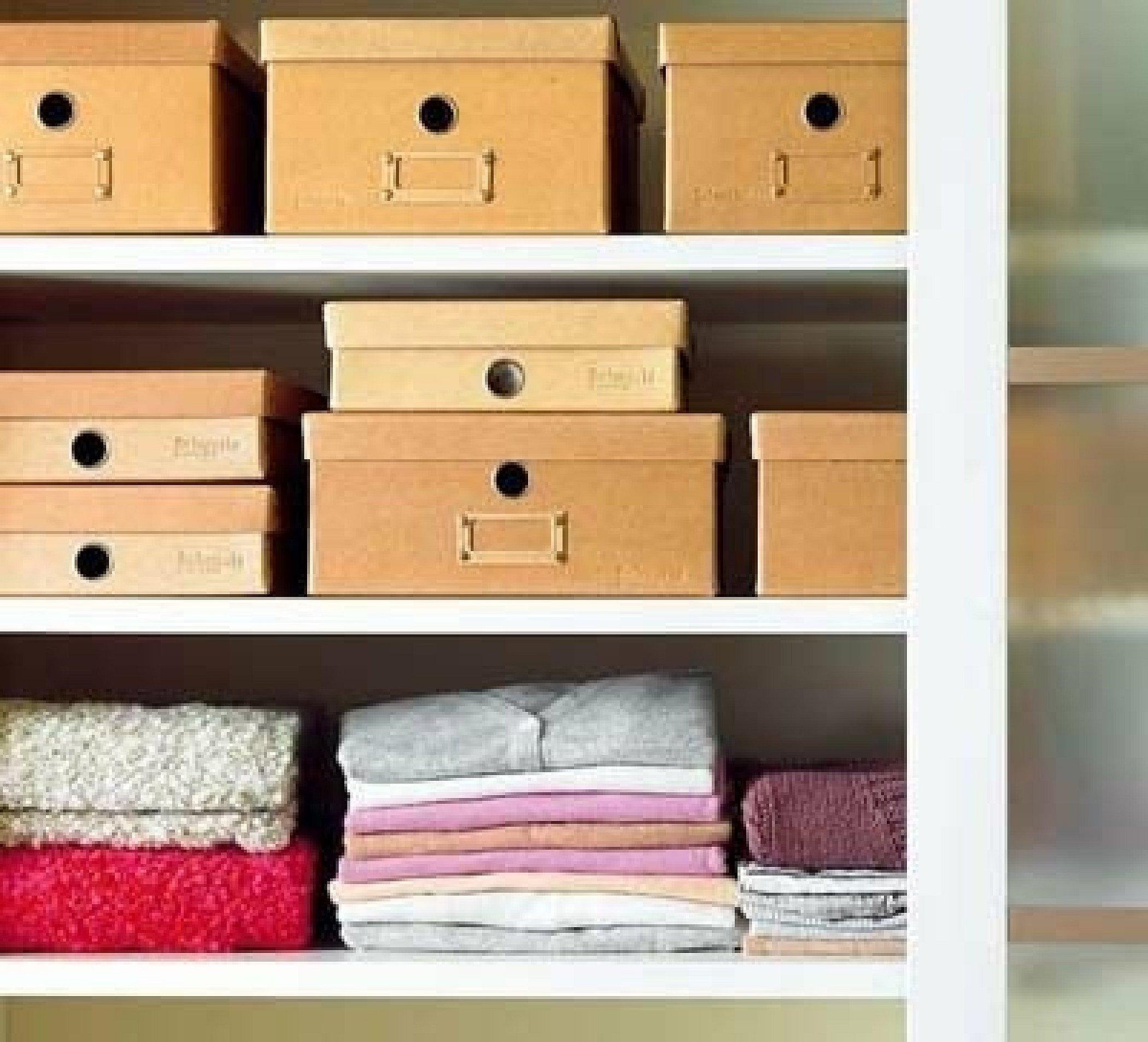 Коробки для хранения вещей в шкафу