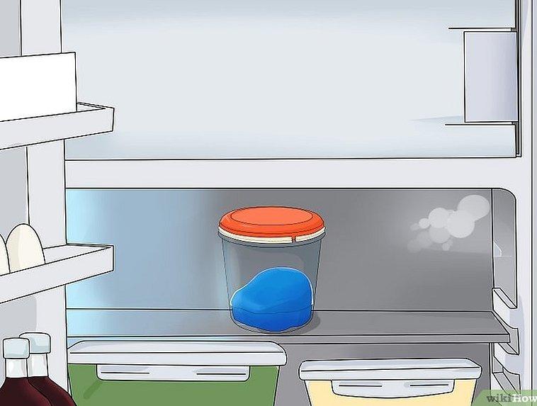 Положила слайм в холодильник