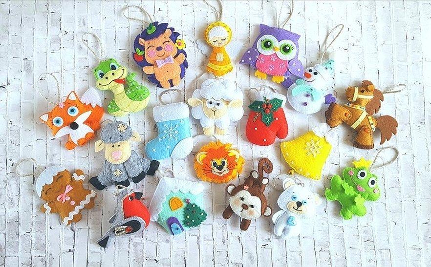Плоские елочные игрушки из фетра