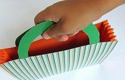 Как сделать сумку из бумаги своими руками?