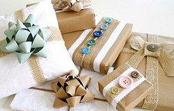 Как красиво упаковать подарок в бумагу?