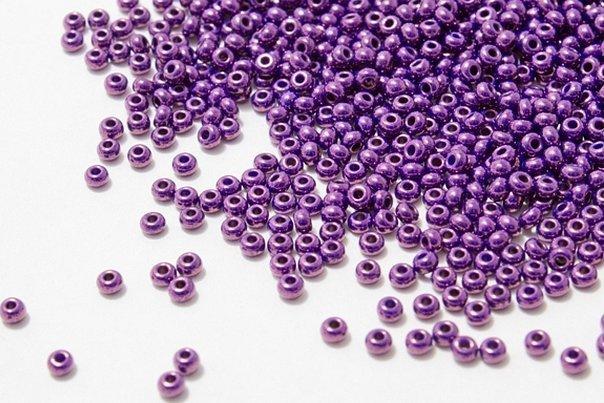 Бисер чешский фиолетовый