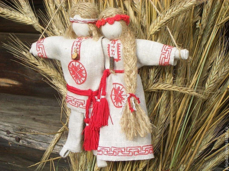 Традиционная кукла неразлучники
