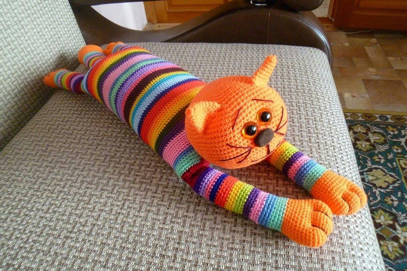 Игрушки крючком радужный котик