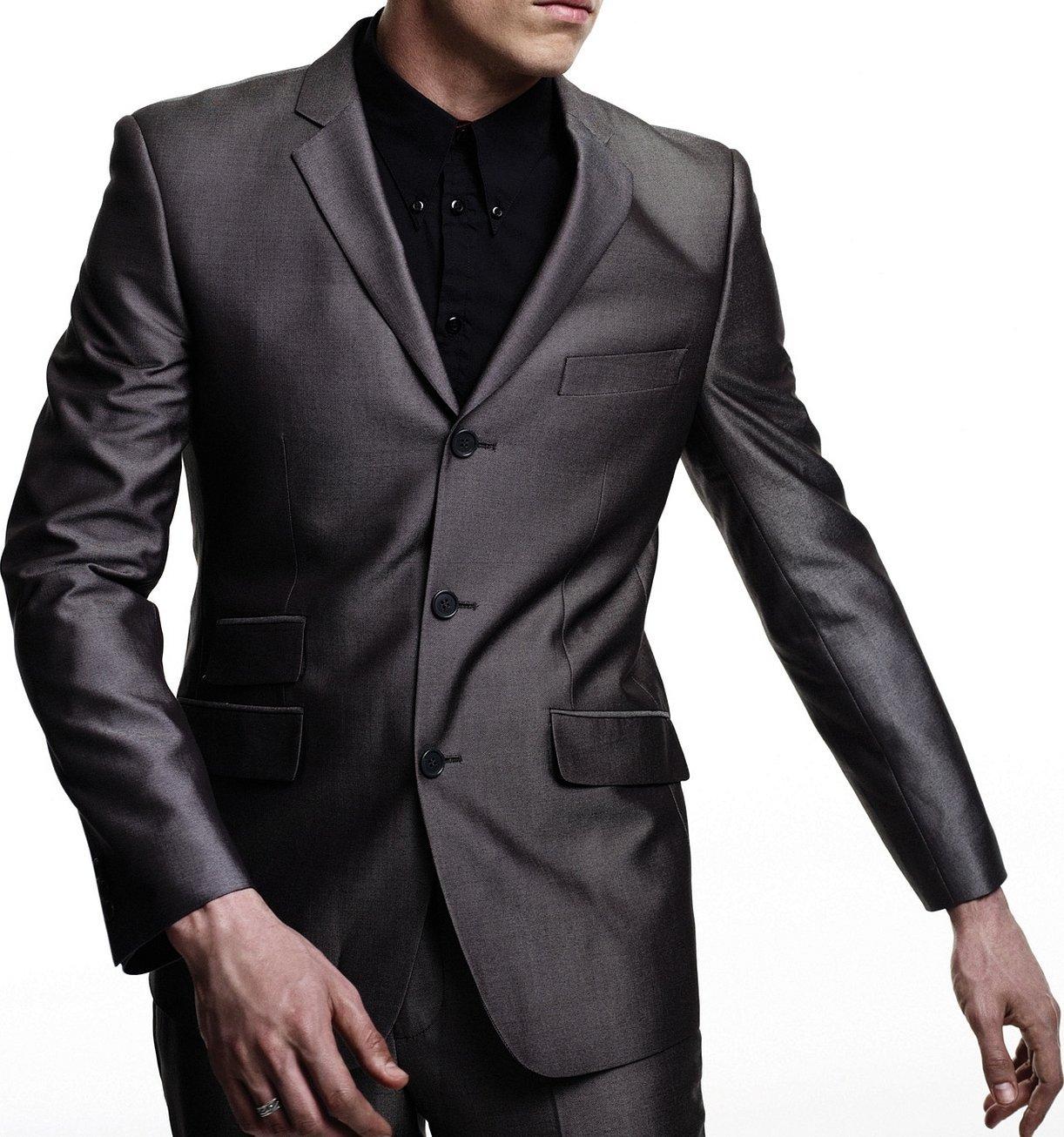 Пиджак мужской расстегнутый