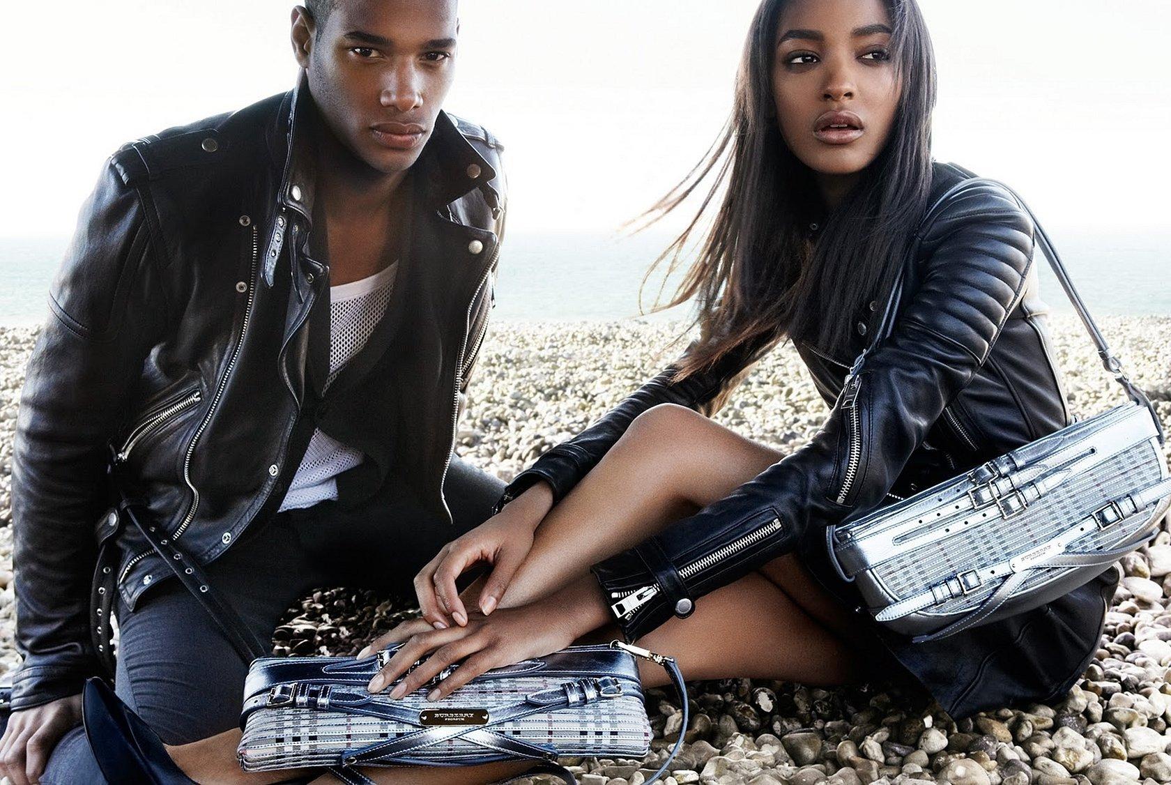 Негритянки в кожаных куртках