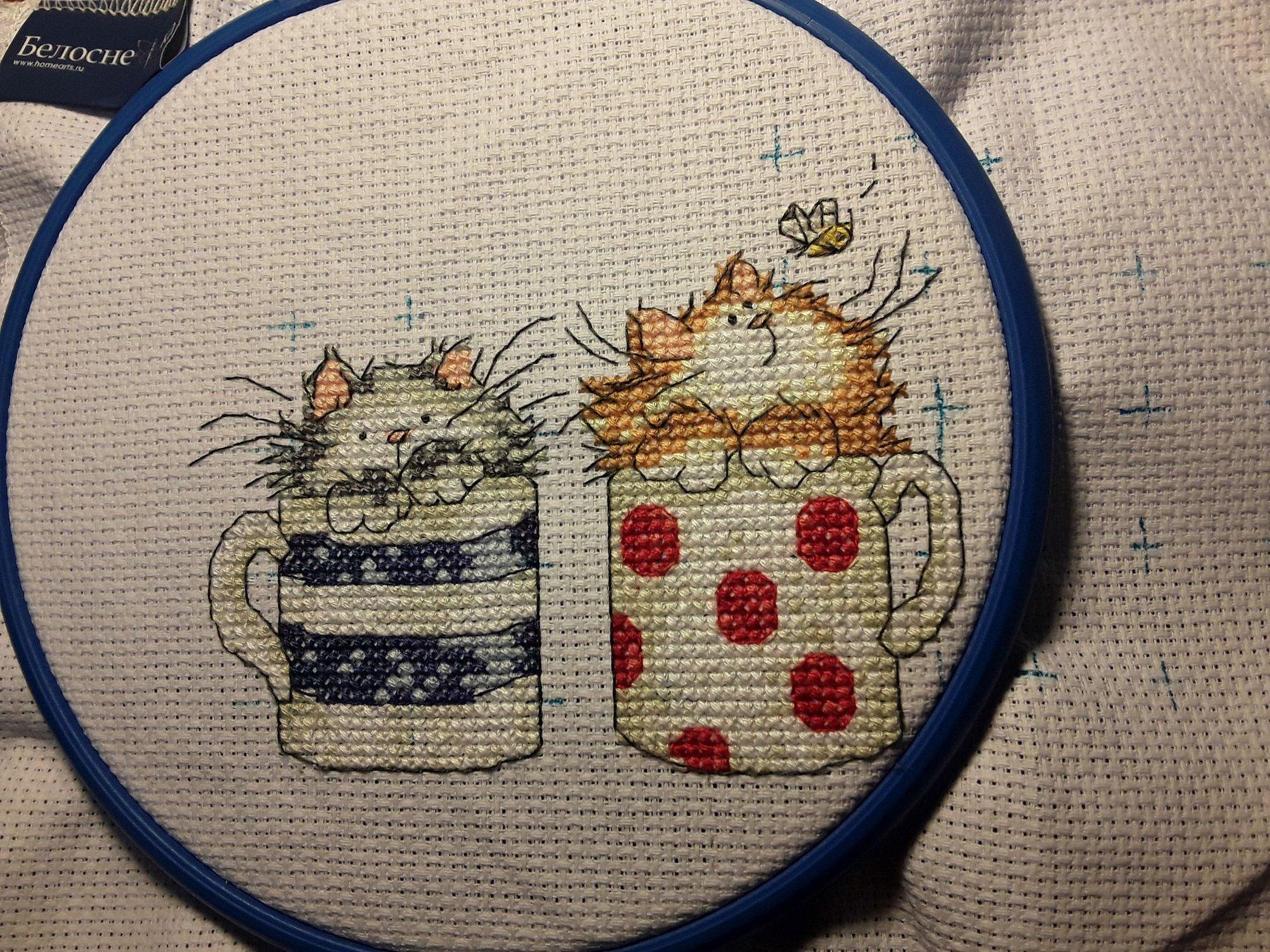 Вышивка крестиком коты в кружке