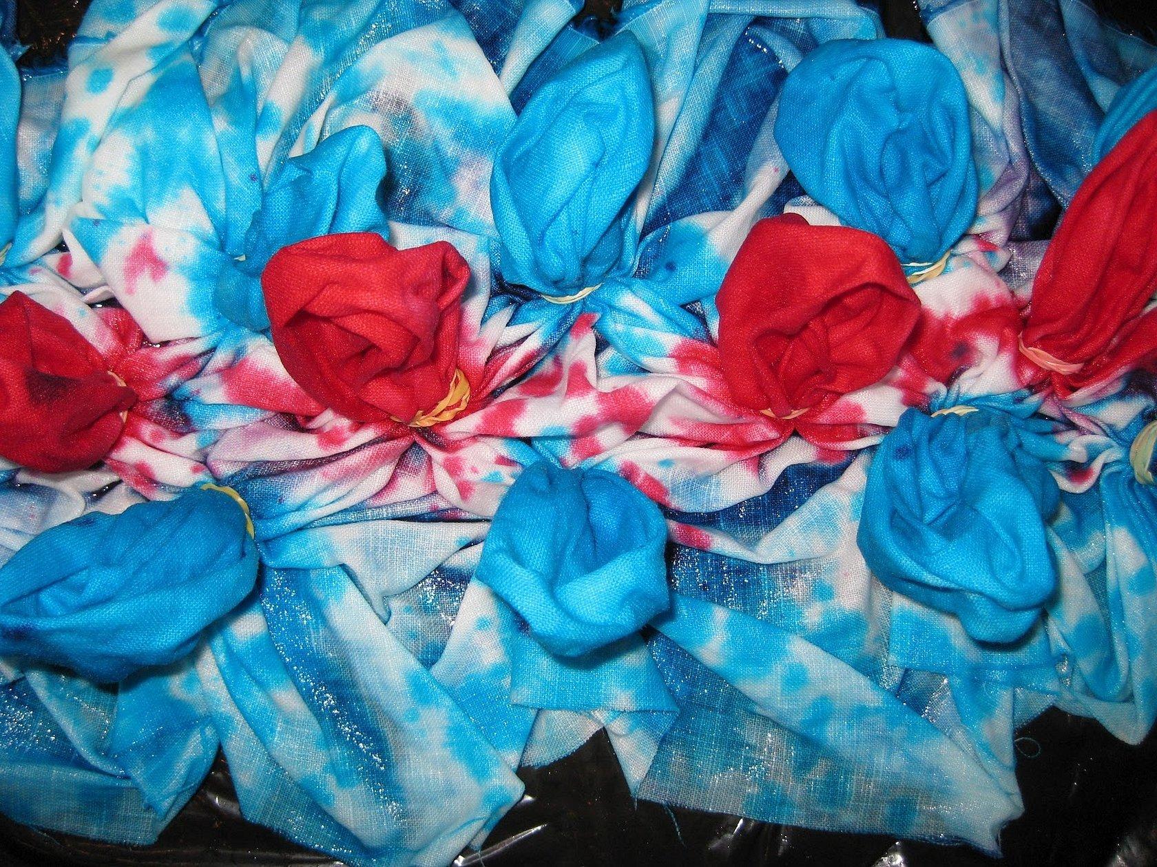 Крашение ткани красителями