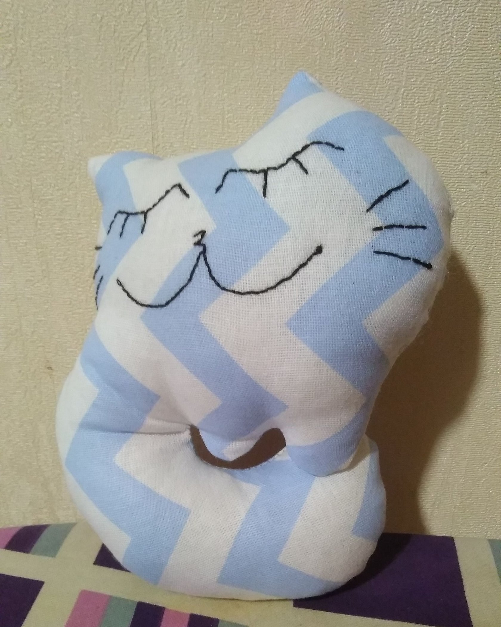 Подушка игрушка котик