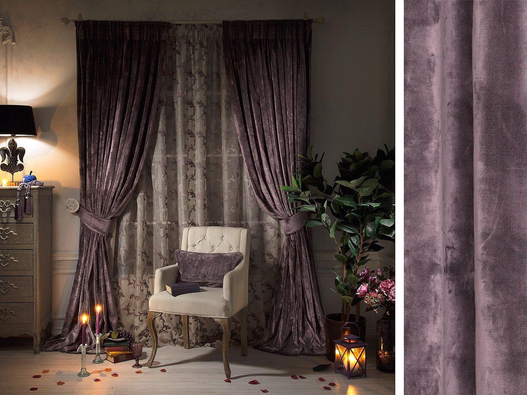 Бархатные шторы в интерьере спальни