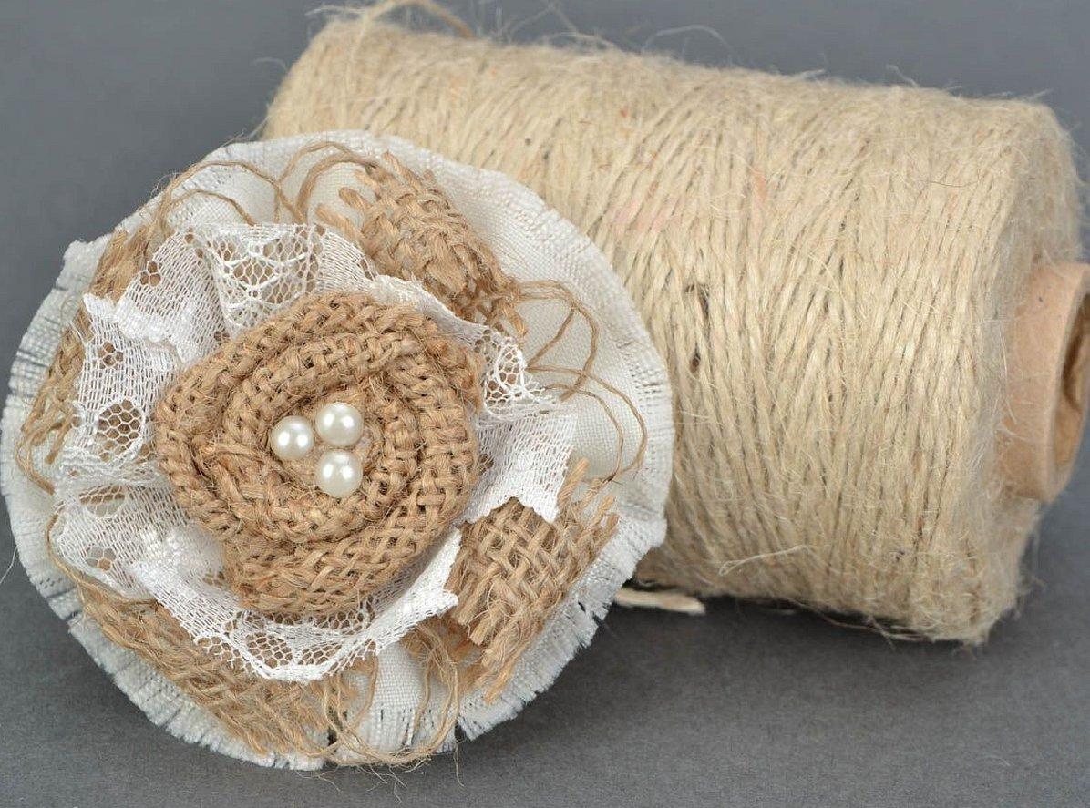 Декоративные цветы из мешковины