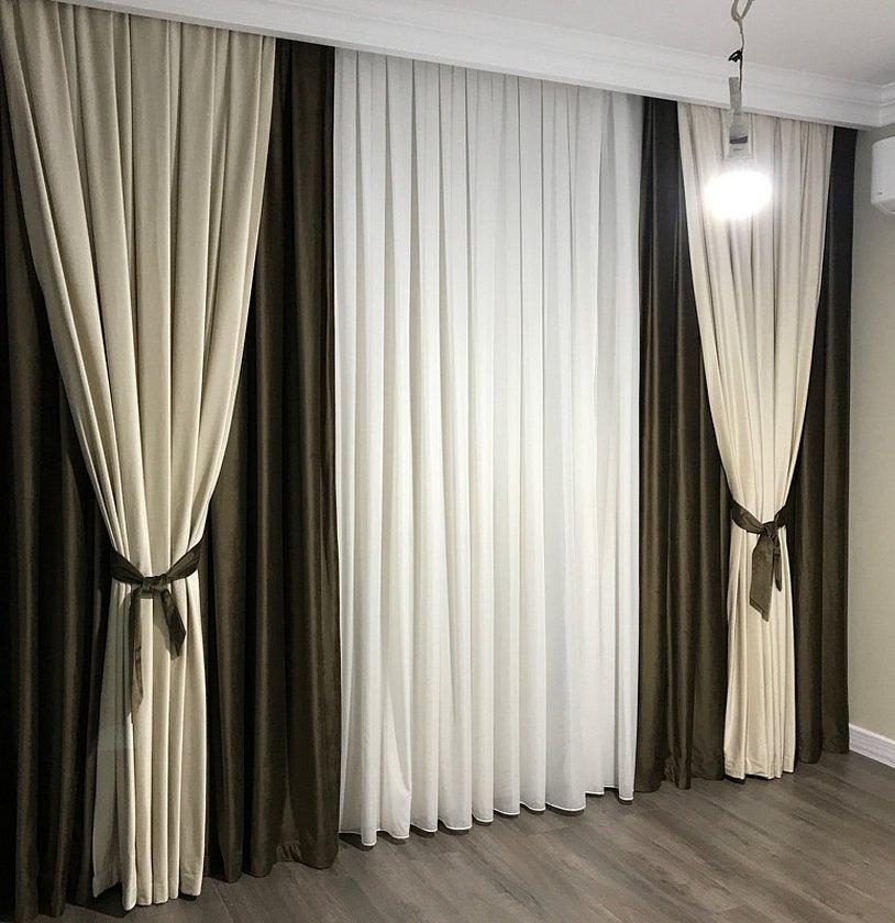 Двойные шторы в гостиную в современном