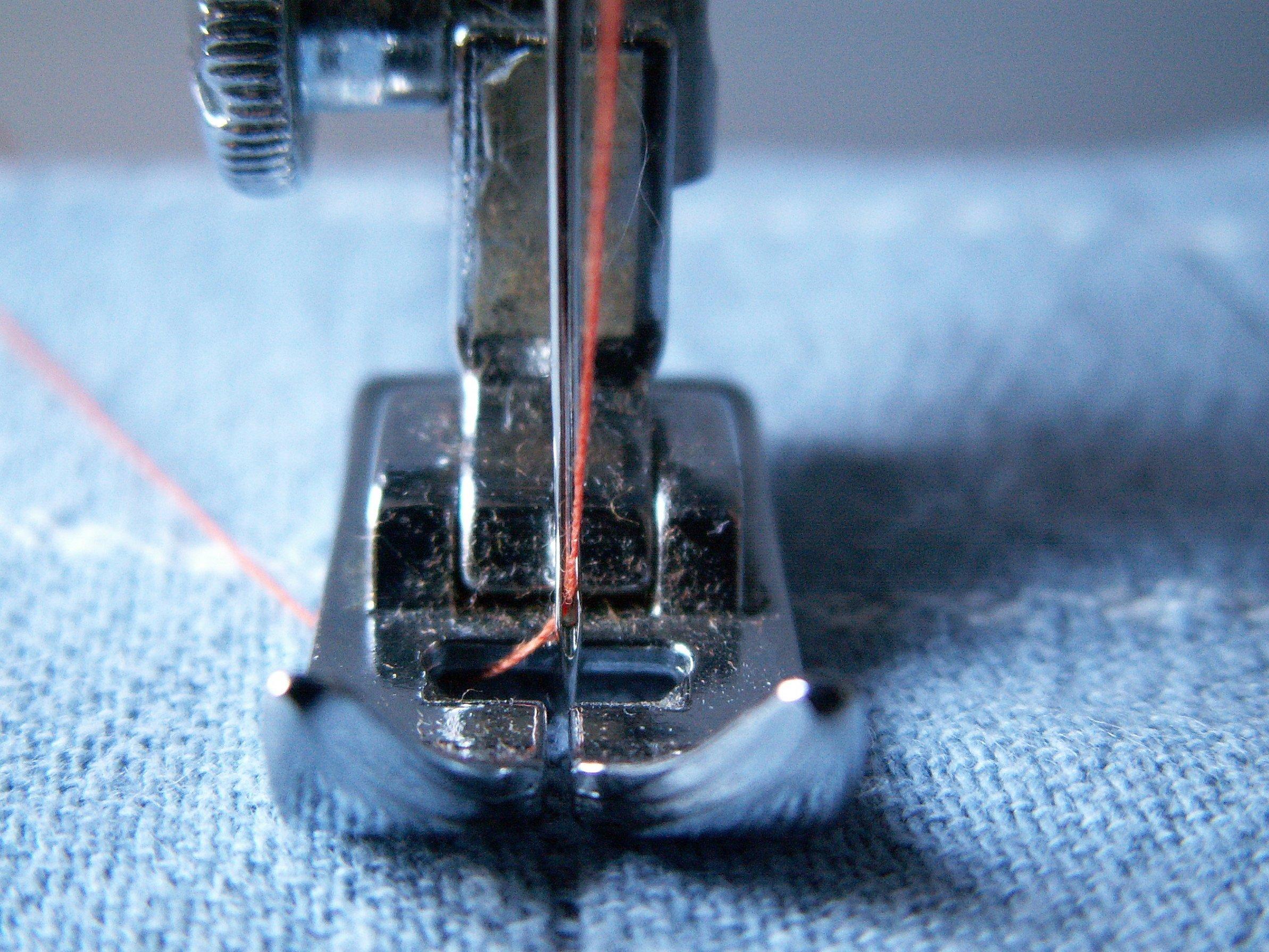 Швейная лапка для пришивания шнура