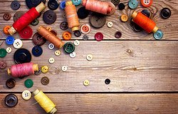 Фурнитура для шитья и рукоделия: ткани, швейные аксессуары, какие есть