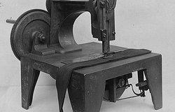 Первая швейная машина: когда изобрели и кто, история развития устройств