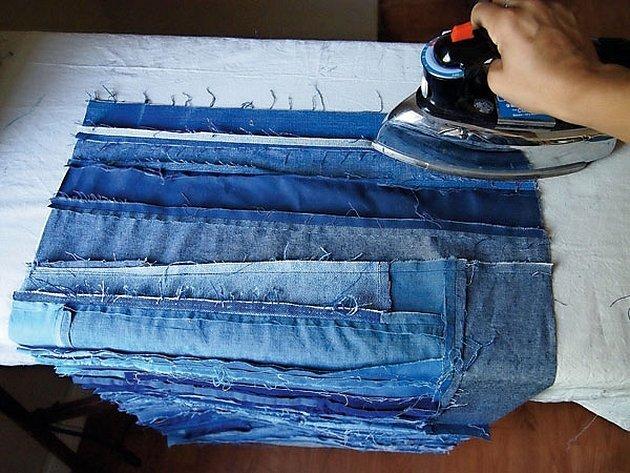 Плед из джинс из полосок
