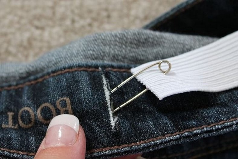 Как убавить джинсы в поясе