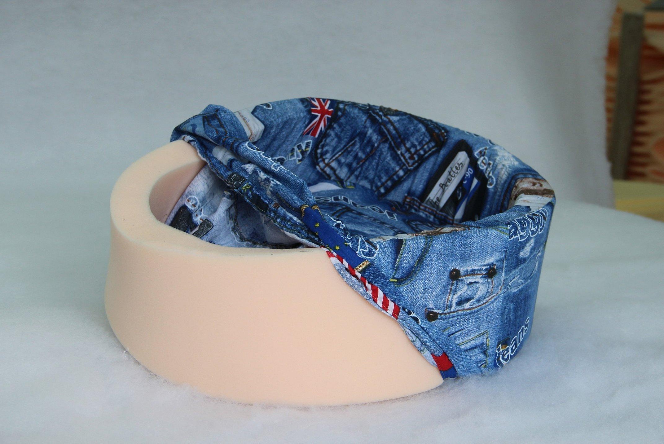 Лежак для кошки из джинсы