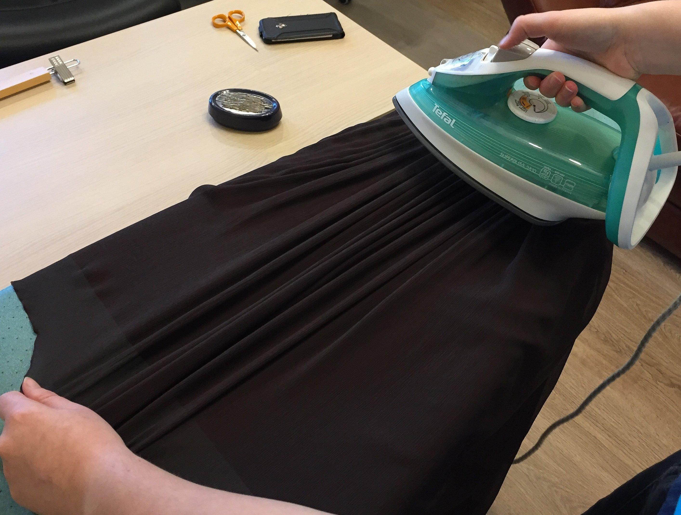 Утюжка низа платья