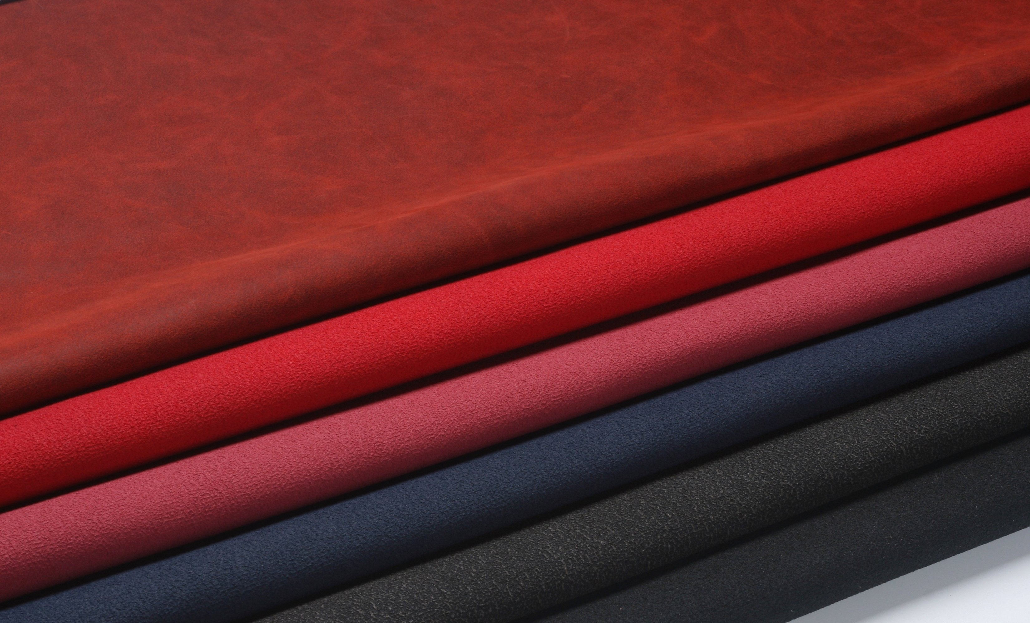 Костюмная ткань бордовая