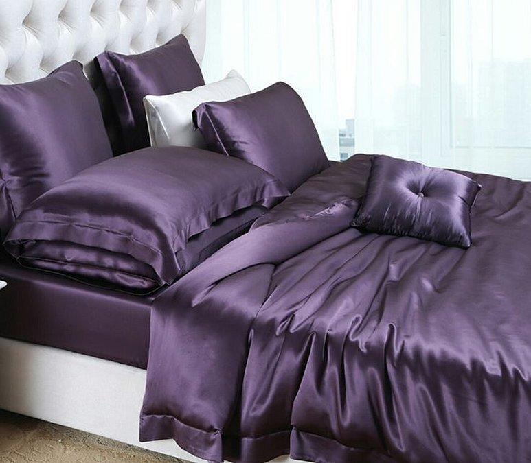 Фиолетовое темное шелковое постельное белье