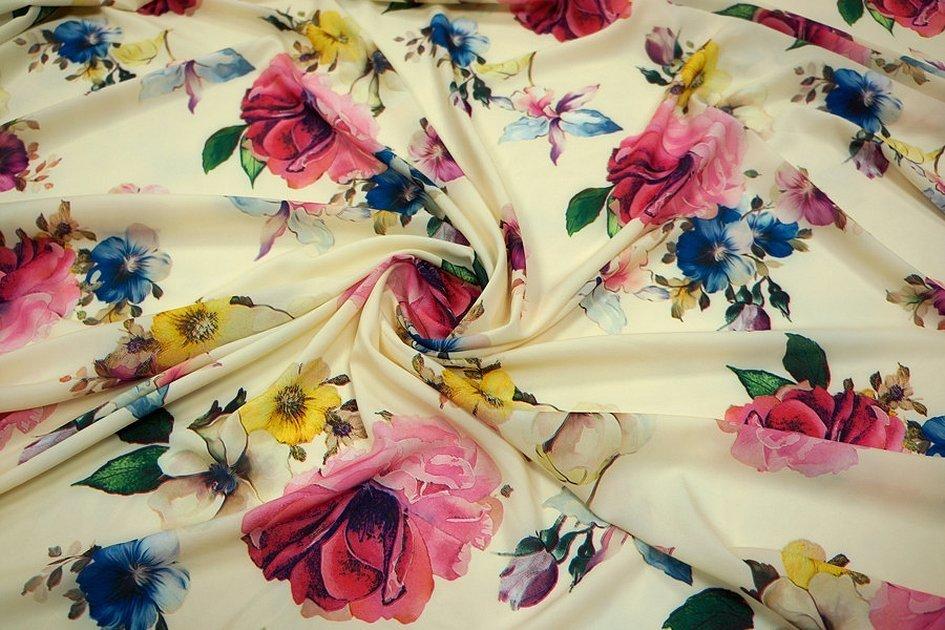 Ткань штапель вискоза с цветами